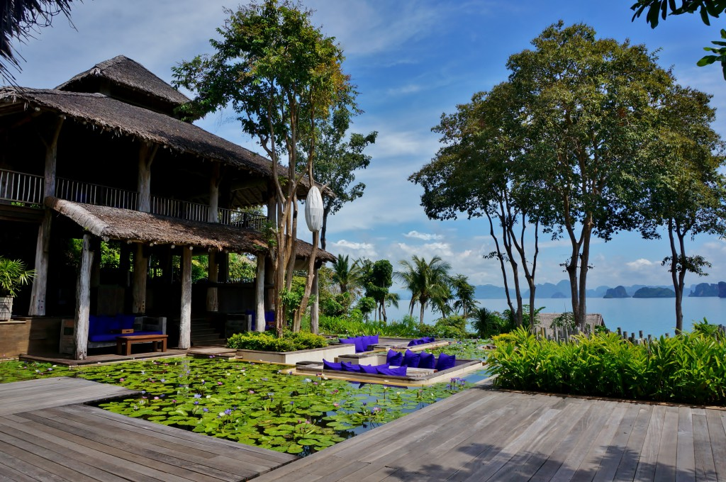 main hous six senses yao noi 2