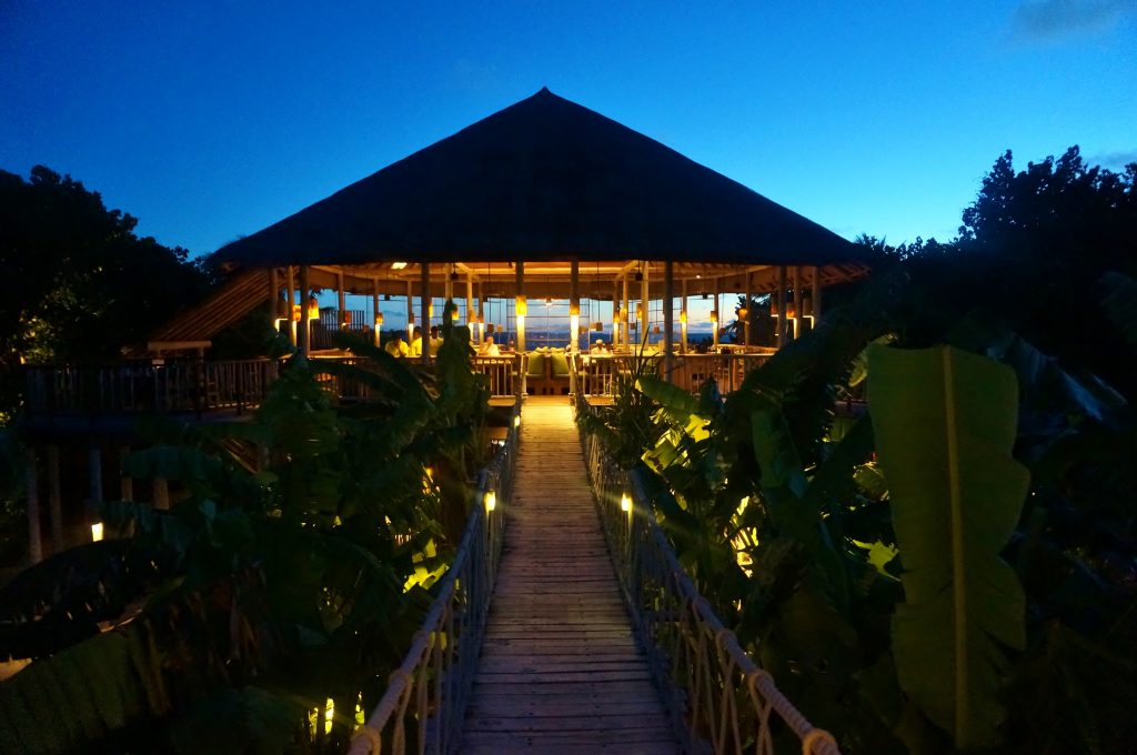 leaf six senses laamu.2
